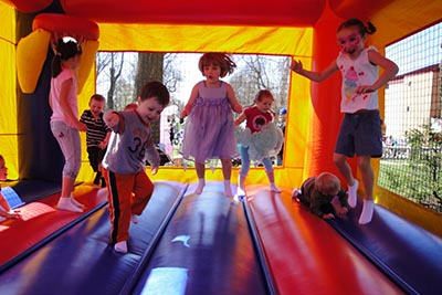 Choosing the Right Bounce House